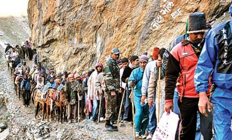Photo of India allows Amarnath pilgrimage but no Muslim festivals in Kashmir