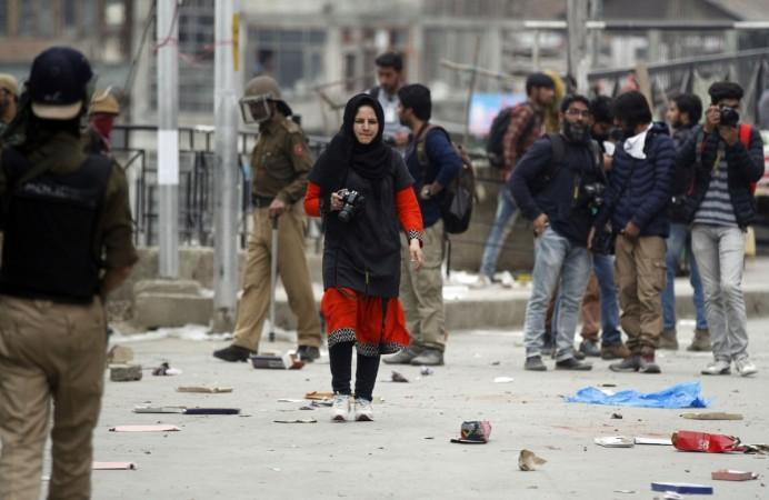 Photo of Courageous Awarded Photojournalist Masrat Zahra Talks About Documenting Life in Kashmir