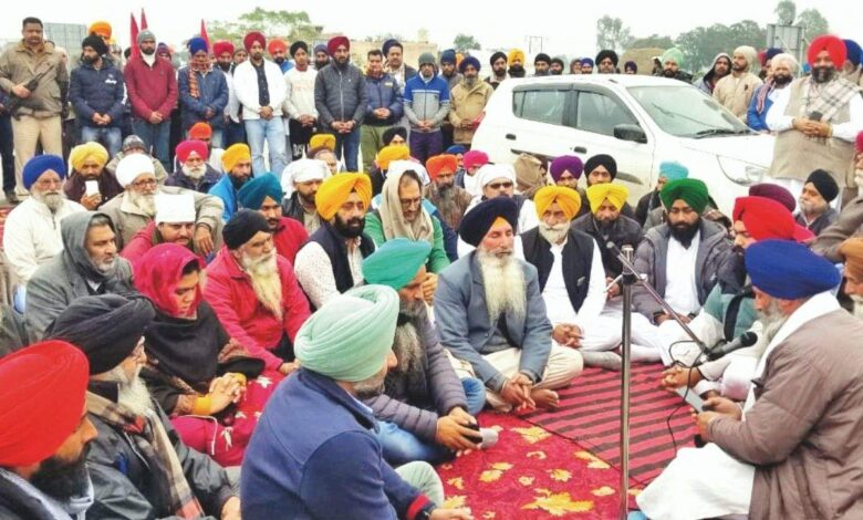 Photo of Punjab: 65-year-old protester ends life saying 'can't see pain of farmers
